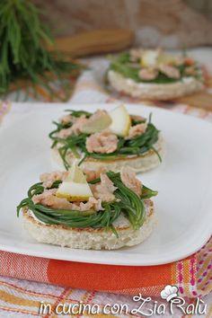 Crostini agretti e salmone - antipasto - In cucina con Zia Ralù Zia, Sandwiches, Recipes, Food, Recipies, Essen, Meals, Ripped Recipes, Paninis