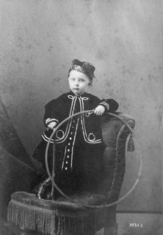 """""""'Sup? Oh, this? It's mah hoop. Ain't no thang."""" 