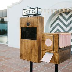 fotomaton Portable Photo Booth, Diy Photo Booth, Wedding Photo Booth, Photo Booths, Fall Wedding Colors, Wedding Color Schemes, Vintage Cameras, Box Design, Event Decor