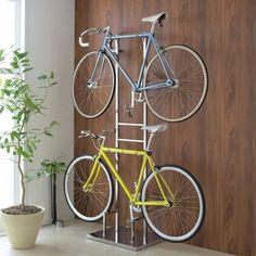 ディノス(dinos)オンラインショップ、室内で使える ディス… Dit is een productpagina van 2 display-fietsstandaards die binnenshuis in de online winkel van dinos kunnen worden gebruikt. Wall Mounted Bike Storage, Vertical Bike Storage, Standing Bike Rack, Bike Shelter, Hanging Room Dividers, Bicycle Rack, Industrial Chic, Woodworking Projects, Home Goods