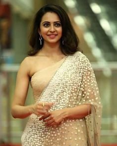 Rakul Preet Singh Photographs GUNJAN SAXENA: THE KARGIL GIRL TO RELEASE DIRECTLY ON NETFLIX  PHOTO GALLERY  | PBS.TWIMG.COM  #EDUCRATSWEB 2020-06-09 pbs.twimg.com https://pbs.twimg.com/profile_banners/1203950784410521601/1575890346/1500x500