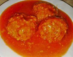 Paradicsomos húsgombóc 🍅 Hungarian Recipes, Hungarian Food, Cod Fish, Chana Masala, Food And Drink, Cooking Recipes, Dinner, Ethnic Recipes, Foods