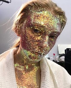 All that glitter: fresh make-up trends from @Gucci FW17 show in Milan. / На показе Gucci в Милане лица моделей украшали перламутровые блёстки бриллиантовые слезы и массивный пирсинг. Смотрите всю коллекцию на vogue.ru!  via VOGUE RUSSIA MAGAZINE OFFICIAL INSTAGRAM - Fashion Campaigns  Haute Couture  Advertising  Editorial Photography  Magazine Cover Designs  Supermodels  Runway Models