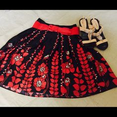 Mossino Red Black and tan skirt Beautiful flower print red black tan skirt Mossimo Supply Co Skirts Midi
