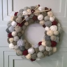 kukka syksyinen - Szukaj w Google Christmas Wreaths, Holiday Decor, Google, Home Decor, Christmas Things, Christmas Swags, Decoration Home, Holiday Burlap Wreath, Interior Design