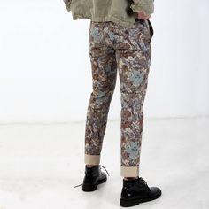 Pantalone chino limited edition modello Manchester con stampa floreale blu con tigri. - Masons
