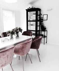 Dear design lover, are you ready for 10 Design Chairs For Your Modern Dining Room? Dining tables are important, they are the center of the dining room, but some modern dining chairs will light up your Home Interior, Interior Decorating, Interior Design, Interior Styling, Dining Room Design, Dining Room Chairs, Dining Rooms, Office Chairs, Dining Tables
