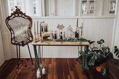 Gold Wedding, Entryway Tables, Glamour, Furniture, Vintage, Home Decor, Decoration Home, Room Decor, Home Furnishings