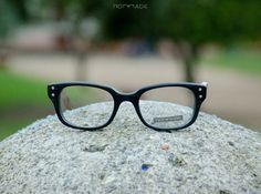Black glasses Wood and acetate reading glasses model Trento