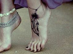 May have to add something like this to my leaf foot tattoo. :)
