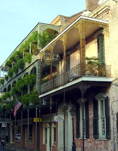 New Orleans...the hostoric areas are fascinating - love the architecture. Hate Bourbon Street but love the other streets (can't afford the antiques). Garden District is wonderful!