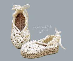 Crochet Pattern Baby Sandals Crochet Pattern di HandHeartandSole