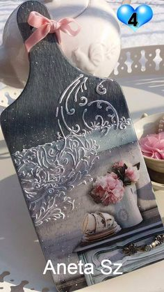 Discover thousands of images about Decoupage Upcycled Crafts, Diy Resin Crafts, Wood Crafts, Diy And Crafts, Arts And Crafts, Paper Crafts, Lace Painting, Painting On Wood, Craft Projects