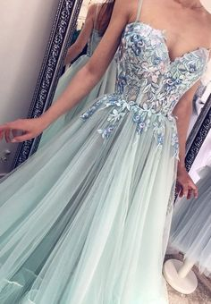 Prom Girl Dresses, Prom Party Dresses, Modest Dresses, Pretty Dresses, Homecoming Dresses, Dress Party, Wedding Dresses, Latest Dress Trends, Grey Evening Dresses