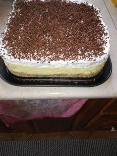 Könnyedén elkészíthető és nagyon fincsi! Ez az édesség mindenkit elvarázsol, mert nagyon krémes és nagyon finom. Ünnepi alkalmakra is remek választás! Hozzávalók Alap: 2 csomag[...] Sweet Desserts, No Bake Desserts, Sweet Recipes, Cake Recipes, Dessert Recipes, Hungarian Desserts, Hungarian Recipes, Smoothie Fruit, Bread Dough Recipe