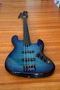 Warmoth fretless 4 string bass guitar