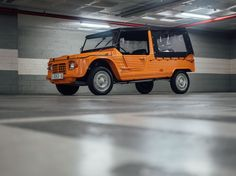 Looking for the Citroen Mehari of your dreams? There are currently 6 Citroen Mehari cars as well as thousands of other iconic classic and collectors cars for sale on Classic Driver. Ground Transportation, Collector Cars For Sale, 1975, Chevy Silverado, Fiat, Old Cars, Concept Cars, Cars And Motorcycles, Peugeot