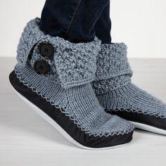 Diy Knitting For Beginners, Easy Knitting, Knitting Socks, Norwegian Knitting, Couture, Blogging For Beginners, Brown And Grey, Chelsea Boots, Slippers