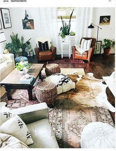 Awesome boho living room with the layered rugs! Boho Living Room, Home And Living, Living Room Decor, Boho Room, Small Living, Cow Hide Rug Living Room, Rv Living, Modern Living, Living Area