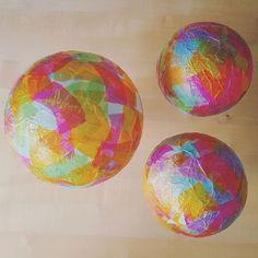 Fast fertig - die DIY-Laternen sind bald bereit für den Martinsumzug (c) Karin Fischer Ideas Hogar, Martini, Easter Eggs, Crafts For Kids, Dots, Pink, Inspiration, Blog, Paper Scraps