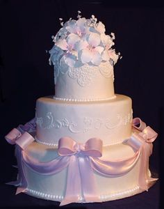 Ribbons and bows cake