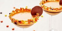 """""""Drunken Peanut Butter Cups"""" Is The Only Thanksgiving Dessert You NeedDelish Fun Cocktails, Fun Drinks, Yummy Drinks, Alcoholic Beverages, Alcoholic Shots, Liquor Drinks, Halloween Drinks, Holiday Drinks, Halloween Party"""