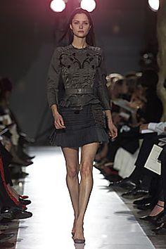 Balenciaga Autumn/Winter 2001 Ready-To-Wear Collection | British Vogue