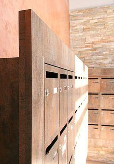 Halls d'entrées Apartment Entrance, House Entrance, Entrance Hall, Apartment Mailboxes, Residential Mailboxes, Condominium Interior, Asian Lamps, Locker Designs, Mail Room