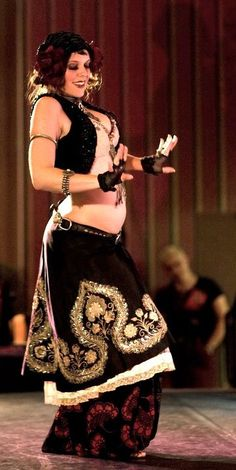 Mardi Love tribal fusion bellydance--hope to see her in the near future!!^^
