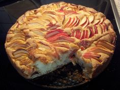 Apple pie with the apples on the top