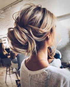 Coiffure mariage : Updo wedding hairstyle inspiration | elegant chignon bridal hairstyle ideas #wed