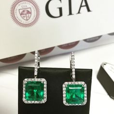 Beautiful EMERALDS! We feel green today, fresh and sparkly. Would you wear EMERALDS TODAY? #style #rings #love #diamond #emerald #luxury #lifestyle #celebrity