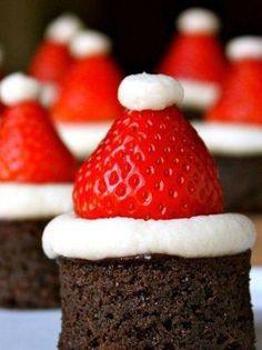 Ces petits bonnets de Père Noël à dévorer sont tellement adorables et faciles à réaliser, qu'on en fait une centaine les yeux fermés.