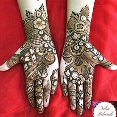 Can't get over the beauty of bridal Mehndi Designs for full hands? This full hand mehndi design with a mix of Indian and Arabic mehndi images is perfect for you! Get Amazing Collection of Full Hand Mehndi Design Ideas here. Simple and Easy Modern full. Arabian Mehndi Design, Rose Mehndi Designs, Khafif Mehndi Design, Latest Arabic Mehndi Designs, Full Hand Mehndi Designs, Mehndi Designs For Girls, Modern Mehndi Designs, Dulhan Mehndi Designs, Mehndi Design Pictures
