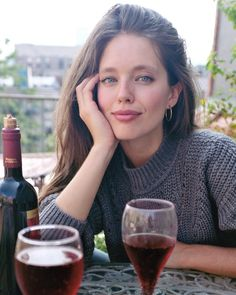 USA Hottest & Sexy Super Models - America's Top 10 Most Beautiful Models: With HD Wallpapers/Photos Hair Romance, Emily Didonato, Pretty Blue Eyes, Most Beautiful Models, Local Girls, Great Women, Woman Crush, Brunettes, Hair Goals