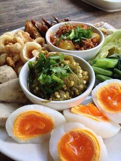 Thai food.  very Trditional Northern Fresh Chiili Dip & Tamato, Pork Chilli Dip