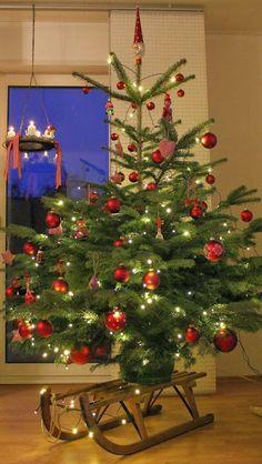 Dekoideen f r weihnachtsb ume geschm ckter for Dekoideen weihnachtsbaum