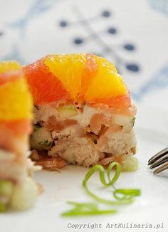 smoked fish and citrus salad (mackerel, cod, eel and halibut) Citrus Recipes, Great Recipes, Vegan Recipes, Smoked Fish, Fish And Seafood, Vegan Vegetarian, Good Food, Cooking, Breakfast