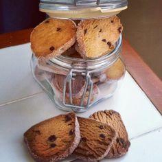 Biscotti al miele arancia e gocce di cioccolato fondente