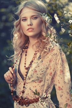 boho style <3<3 Visit http://www.makeupbymisscee.com/ For tips and how to's on #hair #beauty and #makeup