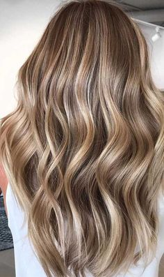 Looking for hair dye colors and fresh hair color ideas for a new season? With the changing of the seasons, you'll probably want to change your hair color, too. Here are some great hair colors that will inspire you. Brown Hair With Blonde Highlights, Blonde Hair Looks, Brown Hair Balayage, Hair Color Balayage, Brunette Hair, Bayalage Light Brown Hair, Blondish Brown Hair, Dark Blonde Hair With Highlights, Brown Hair With Blonde Balayage