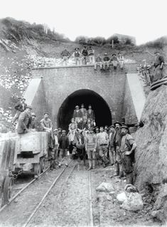 Archives de la Ville de Montréal - Tunnel sous le mont Royal, 1912-1916.