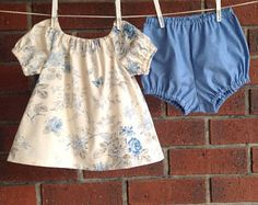Baby girl outfit blue floral, cotton fabric, size 3 6 12 18 mths, baby girl sets blue, peasant blouse baby, peasant tops