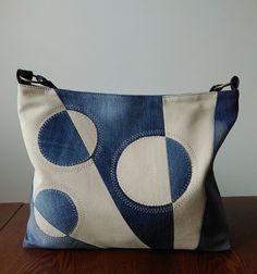 Denim Handbags, Denim Tote Bags, Patchwork Bags, Quilted Bag, Diy Bags Patterns, Denim Crafts, Diy Handbag, Linen Bag, Recycled Denim