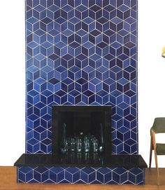 10 Ceramic Tile Ideas for Your Fireplace Surround – Mercury Mosaics Tiled Fireplace Wall, Fireplace Tile Surround, Home Fireplace, Fireplace Remodel, Modern Fireplace, Fireplace Surrounds, Fireplaces, Tile Around Fireplace, Wallpaper Fireplace