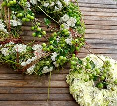 Floral Wreath, Wreaths, Plants, Home Decor, Ideas, Flower Crowns, Door Wreaths, Flora, Deco Mesh Wreaths