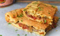 Viška pogača is a savory Croatian pie originating from the island of Vis. Hungarian Recipes, Russian Recipes, Russian Foods, Serbian Recipes, Banana Dessert, Dessert Bread, Strudel, Traditional Croatian Food, Croation Recipes