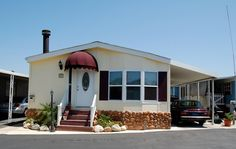 14 Mobile Home Exterior Makeover Ideas + 30 Beautiful Mobile Homes to Inspire!  http://mobilehomeliving.org/14-great-mobile-home-exterior-makeover-ideas-for-every-budget/