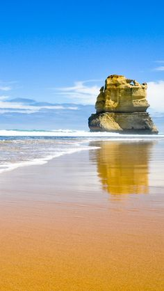 Giant Beach Rock, Gibson Steps And The Twelve Apostles, Australia