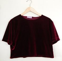burgundy velvet crop t-shirt Pretty Outfits, Cute Outfits, Burgundy Crop Top, Leila, Harajuku, Rockabilly, Grunge Fashion, Punk, My Wardrobe
